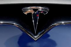 Tesla deepens recent losses after Goldman recommends selling