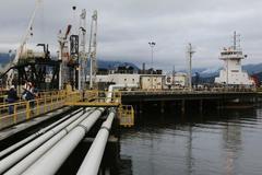 Pipeline company Kinder Morgan's revenue falls 6.8 percent