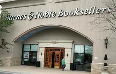 Activist investor Sandell presses for Barnes & Noble sale: WSJ