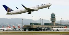 United Air shares tumble as it vows to match low fares, expand capacit