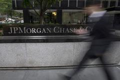 JPMorgan sees brick-and-mortar branches pivotal to U.S. expansion