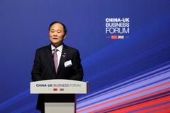 China's Geely makes $9 billion Daimler bet against tech 'invaders'