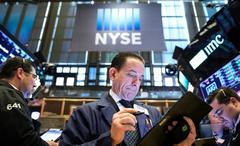 S&P 500 slips as healthcare drags, investors eye G20 summit