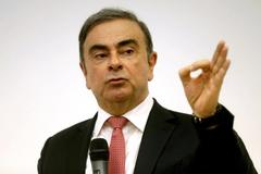 French judges step up Ghosn probe over palace party, Oman dealings