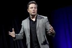 U.S. judge approves SEC settlement with Tesla, shares jump