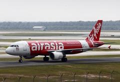 U.S. fund Castlelake to buy planes from AirAsia in $800 million...