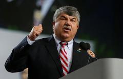Trump pushes Congress to pass USMCA as AFL-CIO steps on brakes