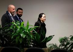 Huawei CFO's lawyer attacks U.S. extradition case in Canadian trial