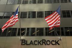 Tough markets hit BlackRock results; shares slump 4 percent