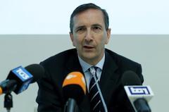 With new CEO, Telecom Italia 'opera' edges towards finale