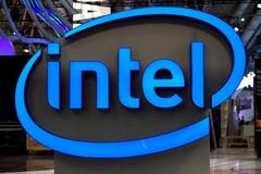 Intel says its 5G modem chips will not appear in phones until 2020