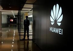 15 U.S. senators urge Trump administration to halt Huawei license approvals