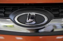 Russian car maker Avtovaz buys out GM from joint venture