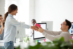 4 Great Ways to Reward Your Employees